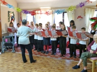 School Choir at Morton Close